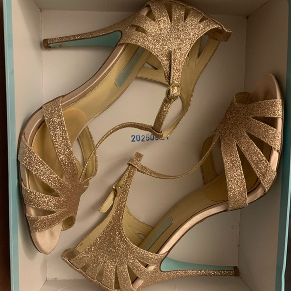 Betsey Johnson Shoes - Champagne Betsey Johnson heels 🥂